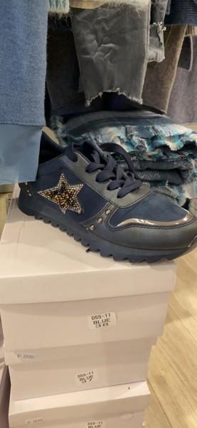 Sneaker mit Stern blau Gr. 38