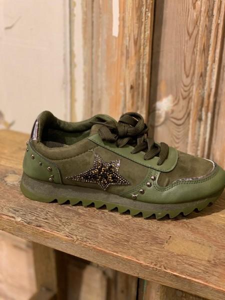 Sneaker mit Stern grün Gr. 38
